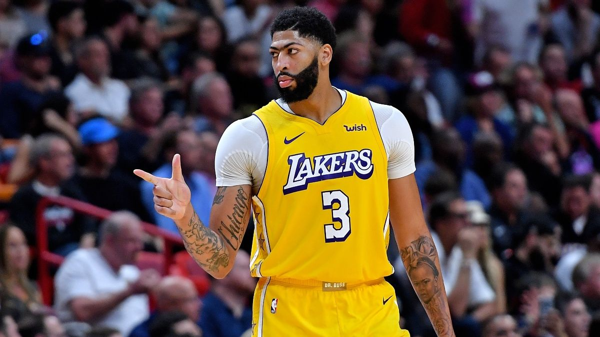 NBA Christmas Day Sharp Betting Picks: Pro Action Hitting Clippers vs. Lakers Spread, Over/Under article feature image