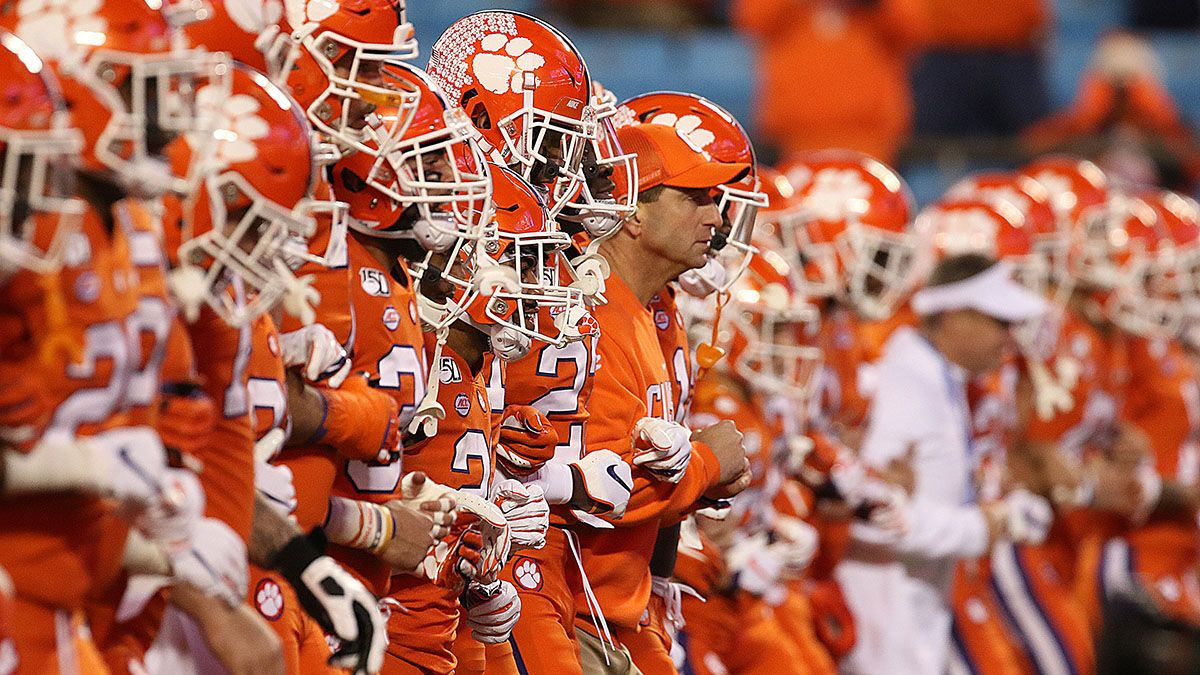 Clemson vs. Ohio State Sharp Betting Pick: Pros Hitting Over/Under in College Football Playoff Semifinal article feature image