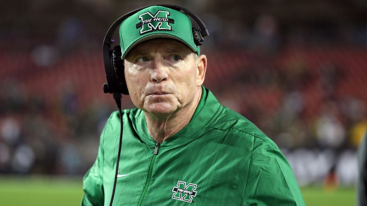 College Football Betting: The Best and Worst Coaches Against the Spread in Bowl Games article feature image