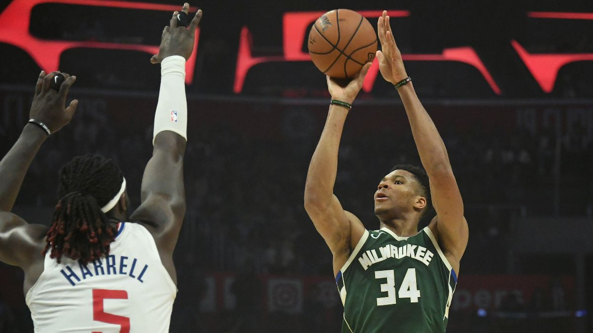 Clippers vs. Bucks Betting Picks & Odds: Can Milwaukee Win 14 Straight? article feature image