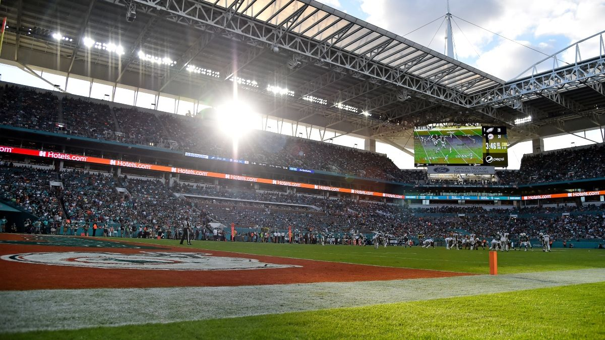 Bengals vs. Dolphins Weather Forecast: Wind Expected at Hard Rock Stadium in Miami article feature image