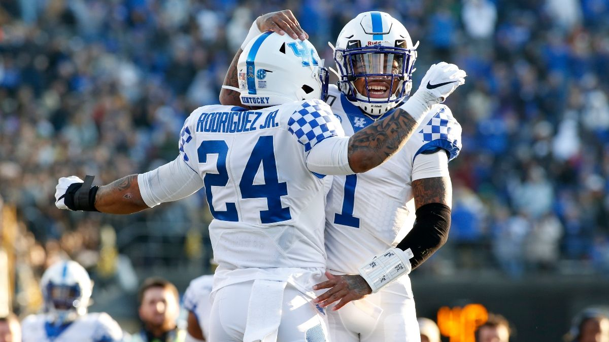 Belk Bowl Sharp Betting Pick: Pros Betting Kentucky vs. Virginia Tech Over/Under article feature image