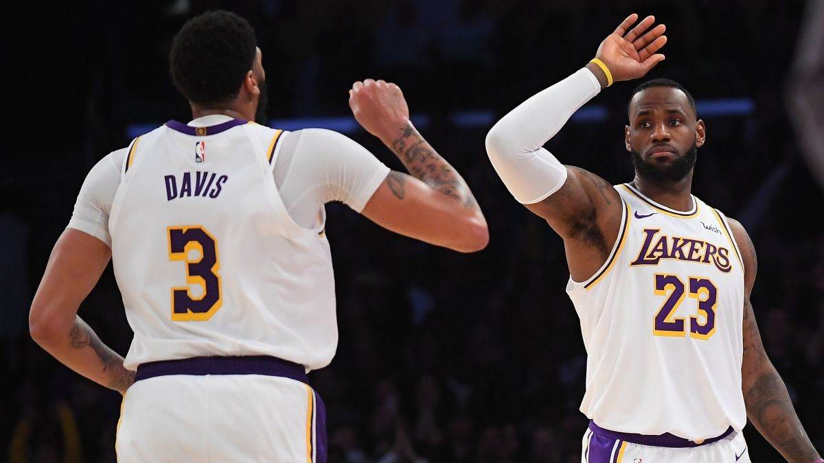 NBA Friday Sharp Betting Picks & Predictions (Dec. 13): Lakers-Heat Among 3 Favorite Pro Plays article feature image