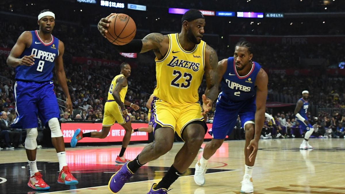 NBA Christmas Day Mega Guide: How to Bet Lakers-Clippers, Bucks-76ers and More article feature image