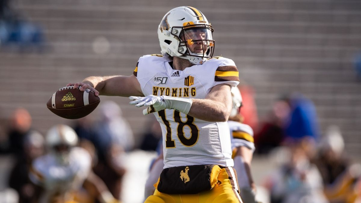 Arizona Bowl Odds: Georgia State vs. Wyoming Spread, Over/Under & Our Projections article feature image