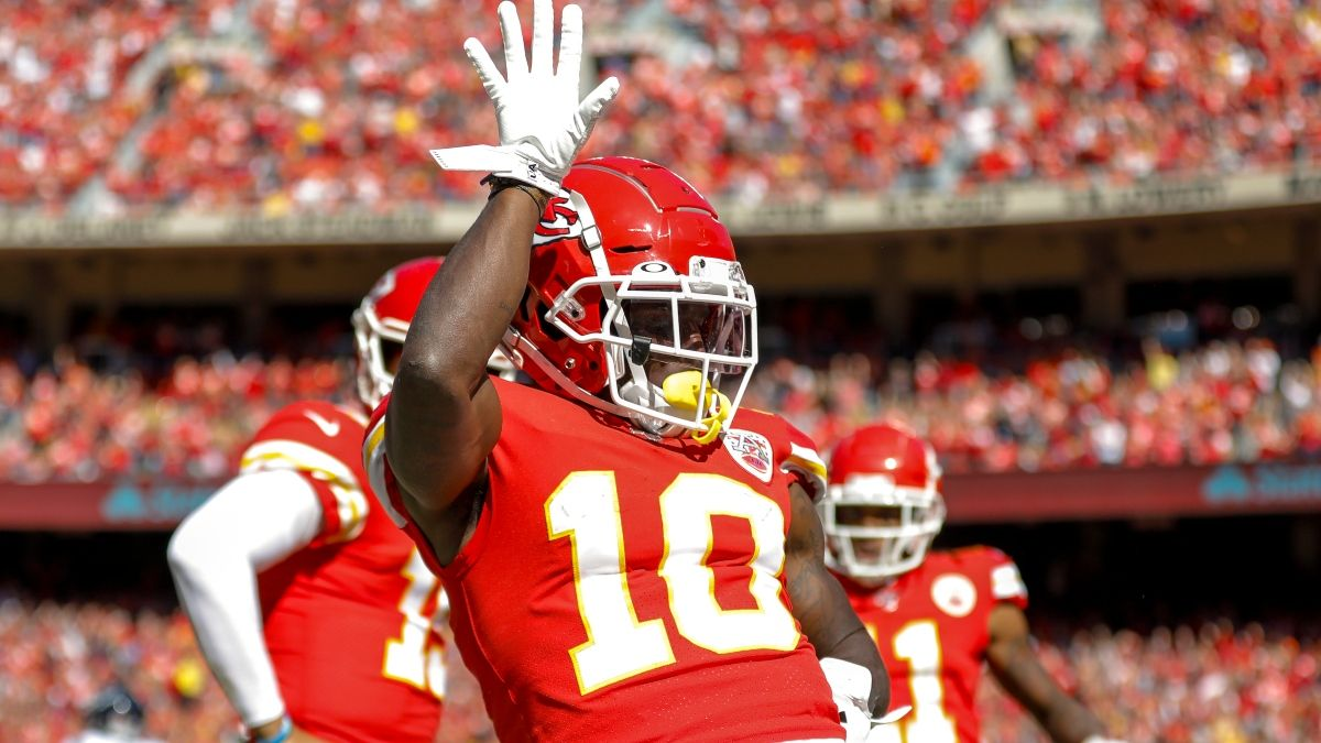 Grading Divisional Round WR/CB Matchups: Tyreek Hill In Favorable Spot article feature image