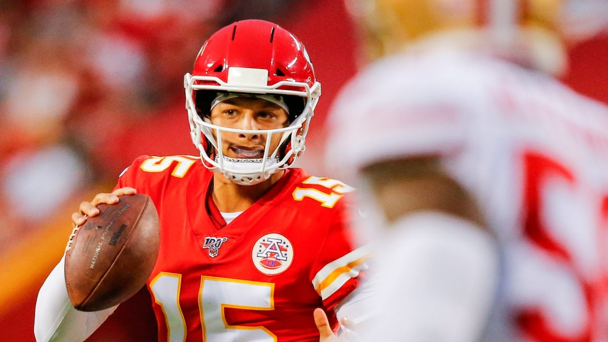 Early Super Bowl Betting Pick: How to Bet the 49ers vs. Chiefs Spread & an Angle for the Over/Under article feature image