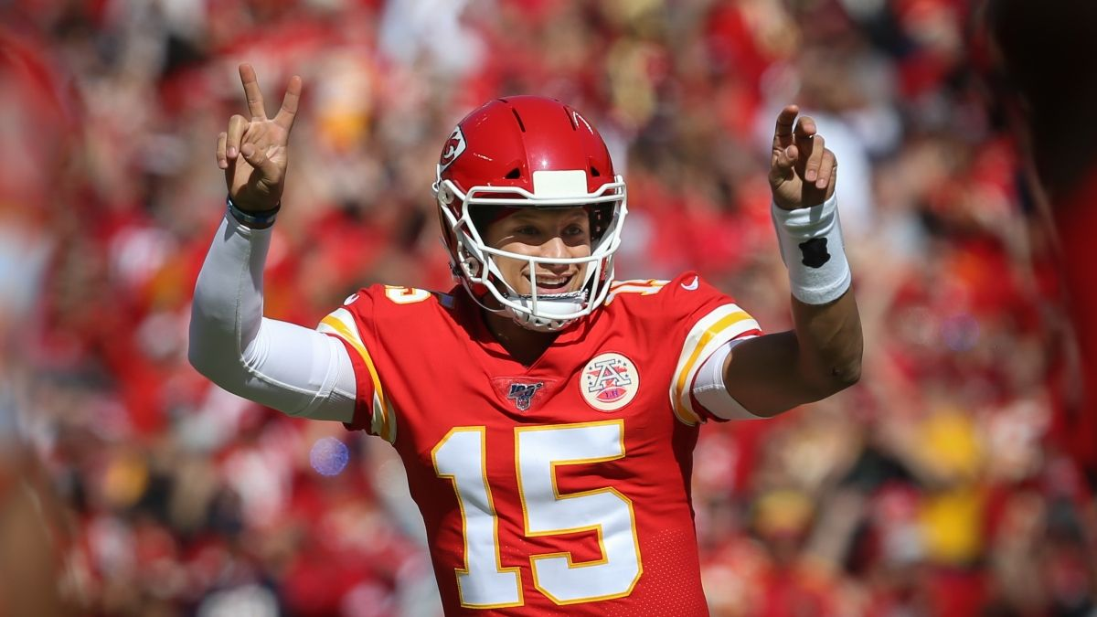 Patrick Mahomes Prop Bets, Odds & Picks for Super Bowl 54 article feature image