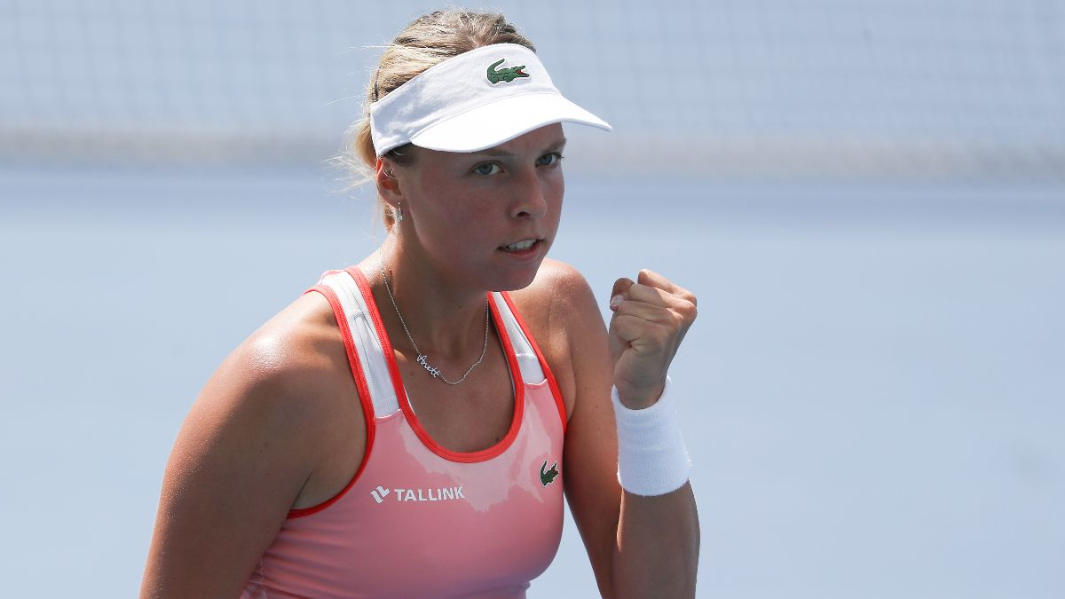 2020 Australian Open WTA Day 10 Betting Picks & Odds: Can Anett Kontaveit Wear Down Simona Halep in the Quarterfinals? article feature image