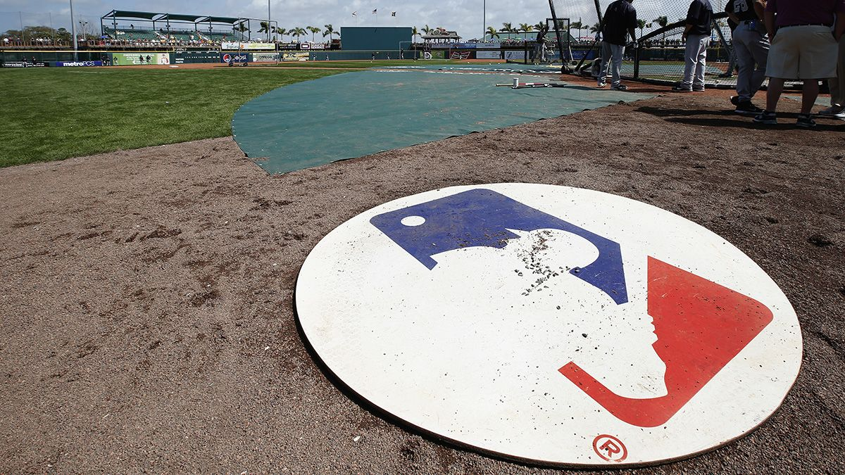 Daily Fantasy Player Files Lawsuit Against MLB Over Astros Scandal article feature image