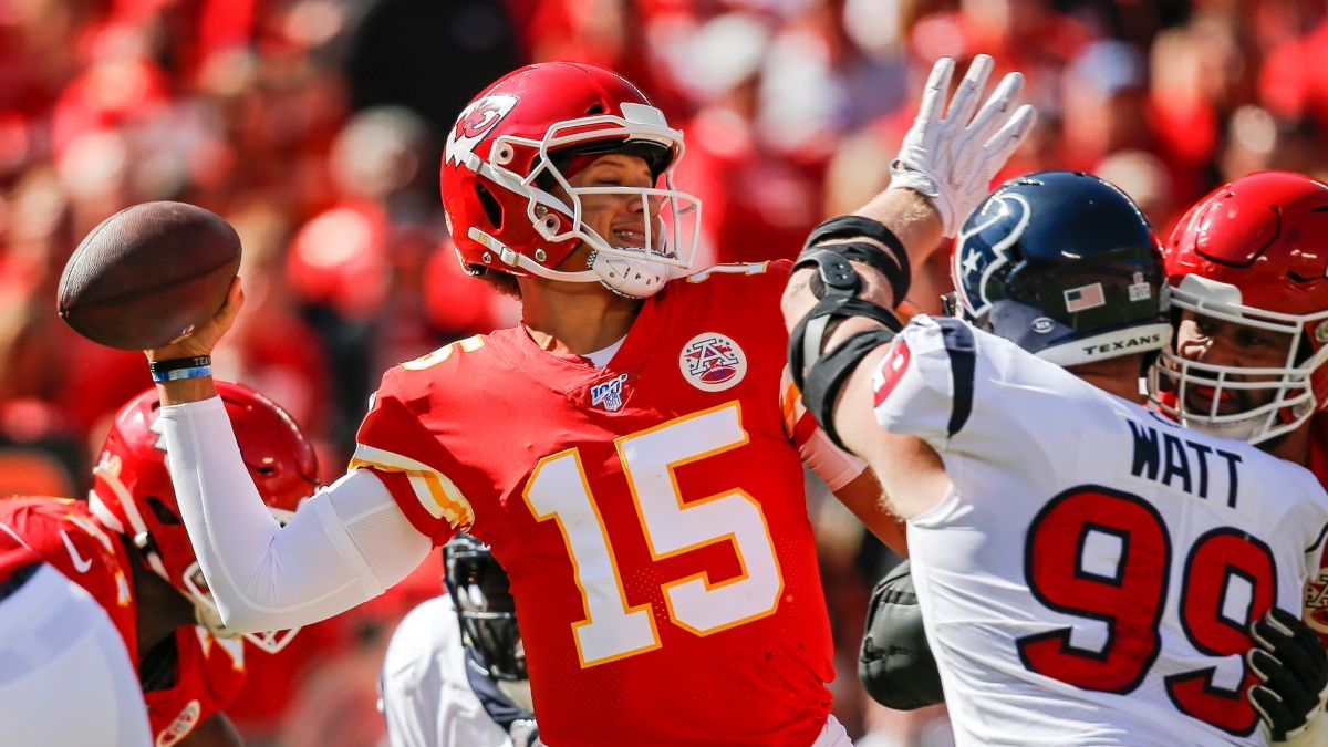 Texans vs. Chiefs Picks, Betting Odds & Predictions: Will K.C. Cover the Spread in AFC Divisional Round? article feature image