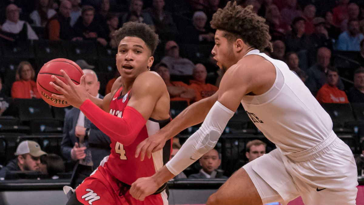 Tuesday College Basketball Betting Picks: Our Staff's 4 Best Bets (February 25, 2020) article feature image