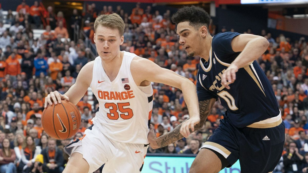 20 College Basketball Teams With Injury News Worth Noting for Bettors article feature image