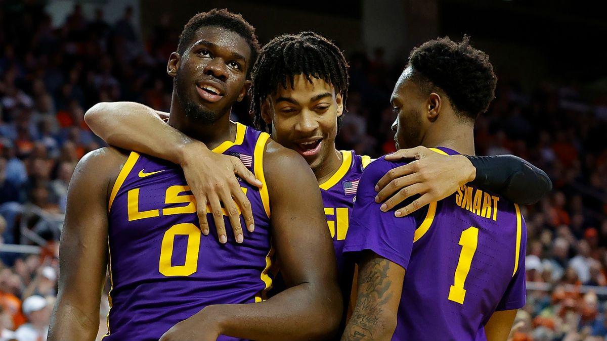 Tuesday College Basketball Odds & Picks: Betting Penn State vs. Illinois, Kentucky vs. LSU article feature image