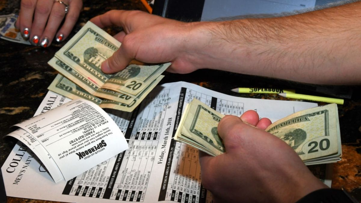 Sports Betting Tips: The Biggest Mistake Made by Recreational Sports Bettors article feature image