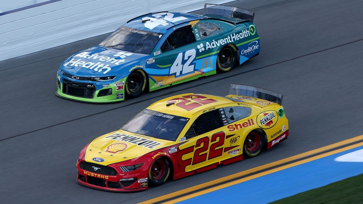 Giffen's NASCAR DFS Strategy, Lineups & Driver Picks and Predictions for the Pennzoil 400 article feature image