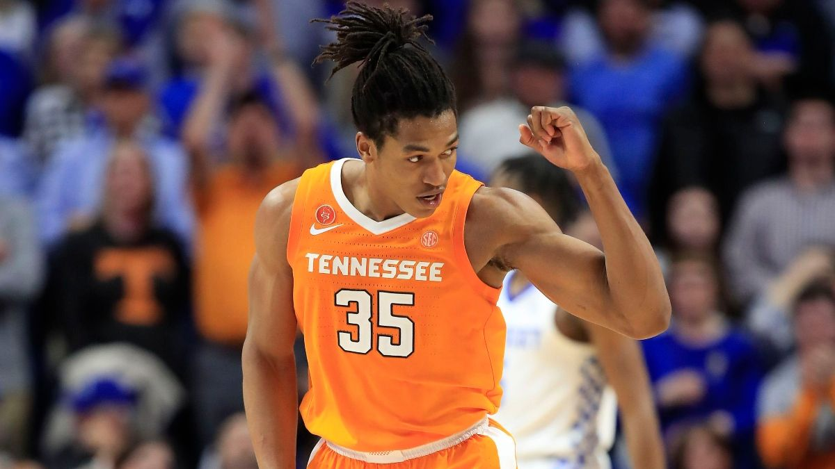 Alabama vs. Tennessee Sharp Betting Pick (March 12): Pros Hitting Short SEC Spread article feature image