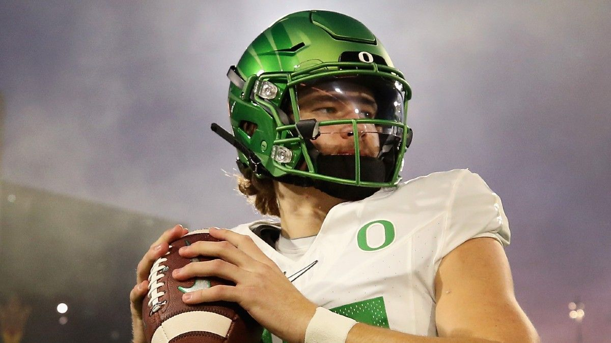 When to Take Chargers QB Justin Herbert In Rookie Dynasty Drafts article feature image