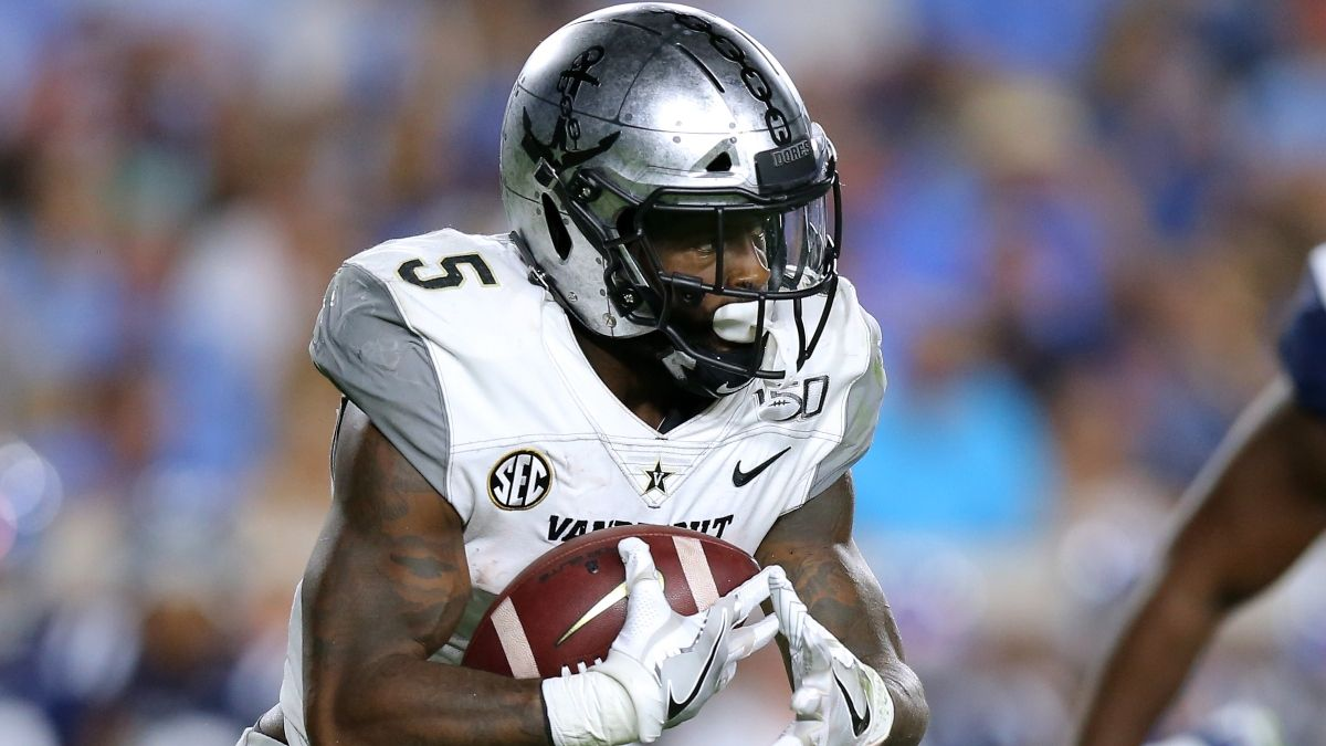 Why Buccaneers RB Ke'Shawn Vaughn Isn't Actually An Underrated Fantasy Prospect article feature image