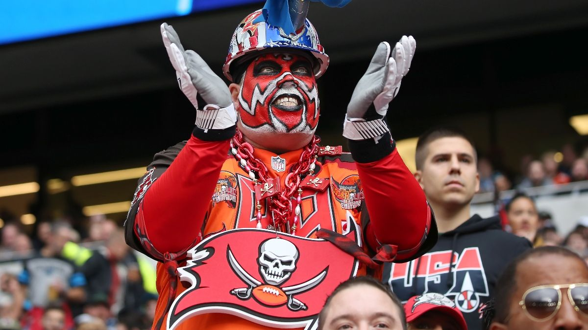 Sportsbooks Seeing Liability Pile Up on Tampa Bay Buccaneers After Gronkowski Trade article feature image