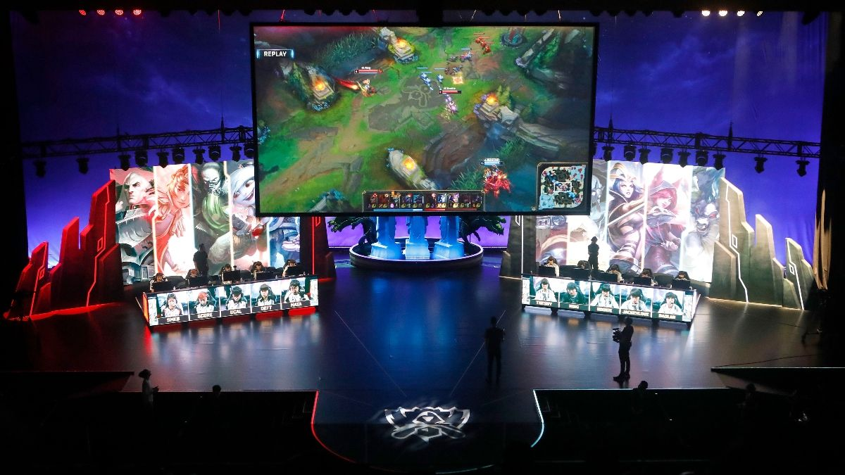 LOL LCK Playoffs Betting Odds and Picks: KT Rolster vs. DAMWON Gaming (April 18) article feature image