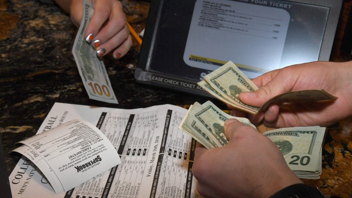 What Are Units in Sports Betting? article feature image