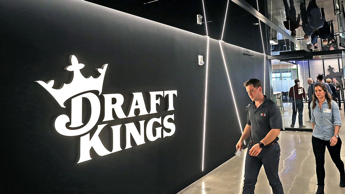 DraftKings, Other Gambling Stocks Surge as New York Gets Closer to Online Sports Betting article feature image