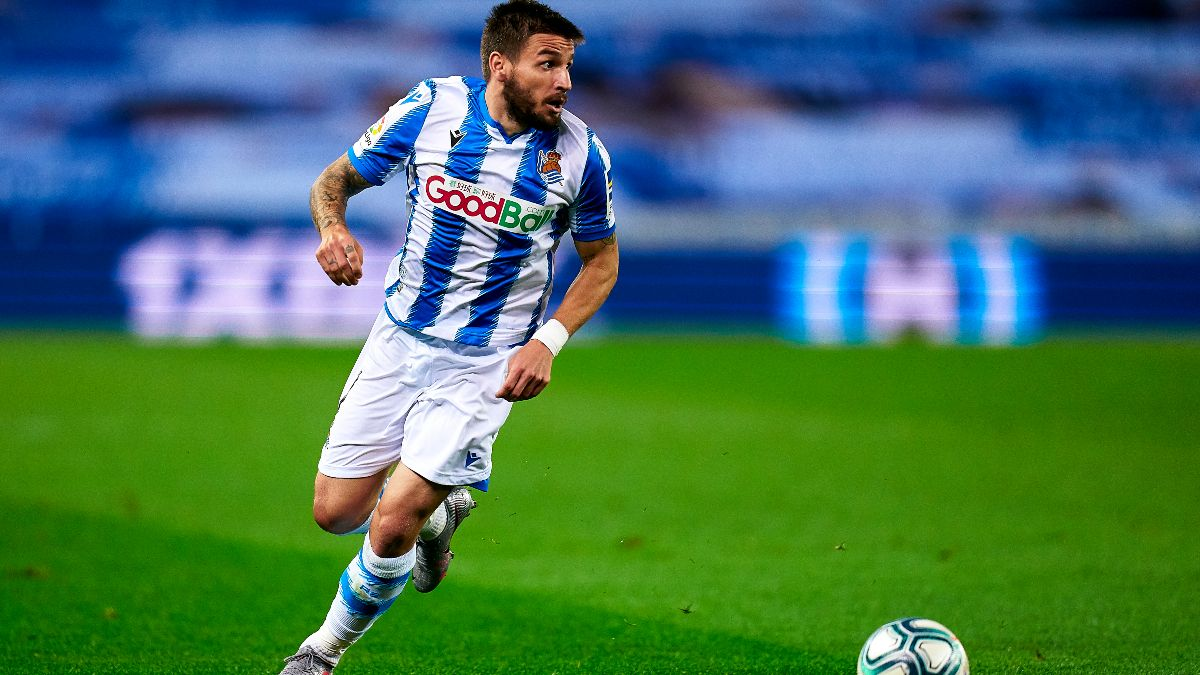 La Liga Betting Picks: Odds and Predictions for Deportivo Alaves vs. Real Sociedad article feature image