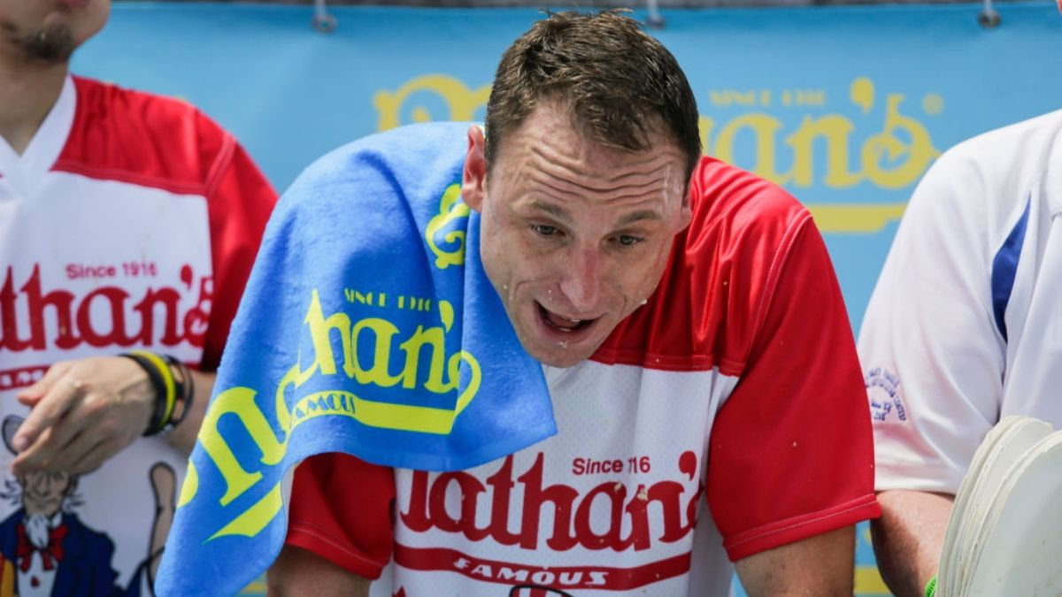 Hot Dog Contest Betting Odds and Preview: Will Joey Chestnut Eat Over 72.5 Hot Dogs? article feature image