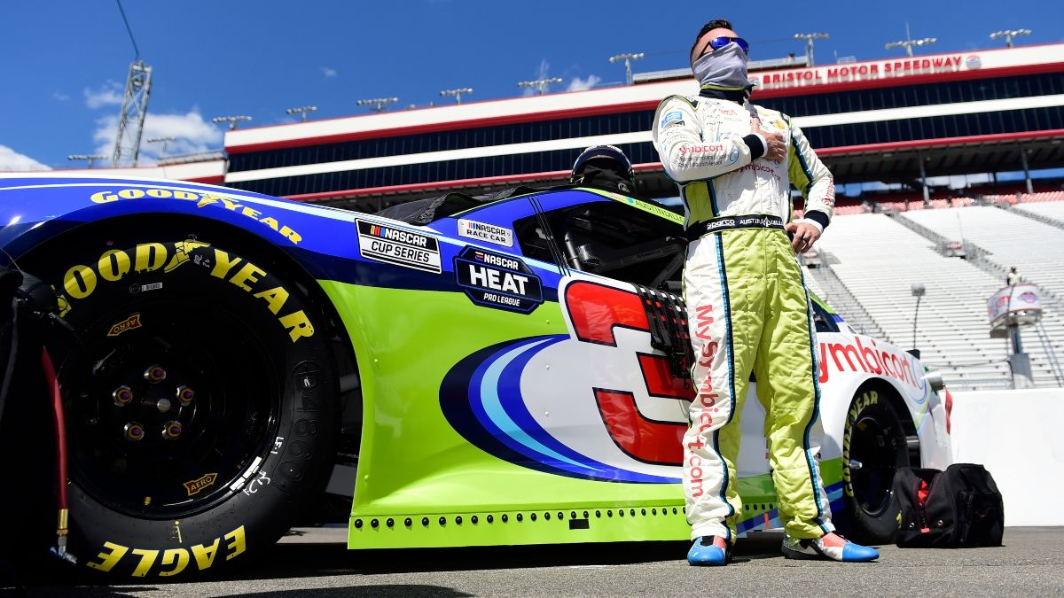 NASCAR at Kansas Odds, Picks & Predictions: Prop Bets for Thursday's Super Start Batteries 400 article feature image