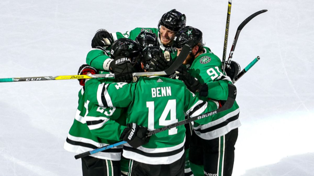 NHL Betting Odds, Picks Predictions: Avalanche vs. Stars Game 4 (Sunday, Aug. 30) article feature image
