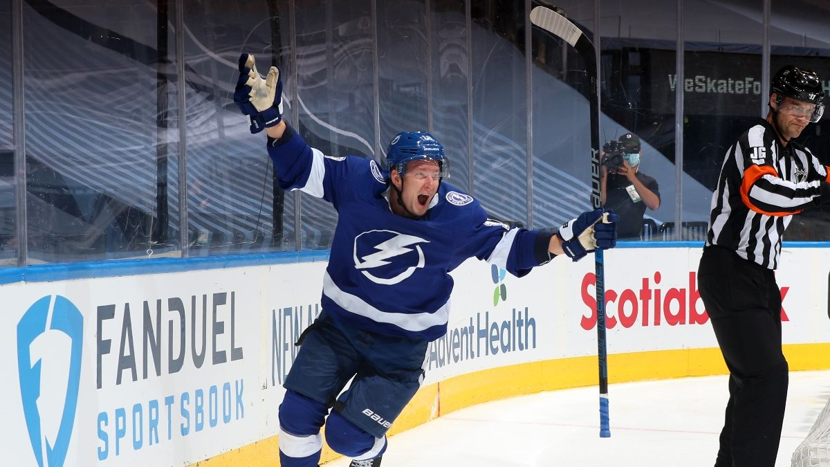 Bruins vs. Lightning Game 3 Betting Odds, Picks & Predictions (Wednesday, Aug. 26) article feature image