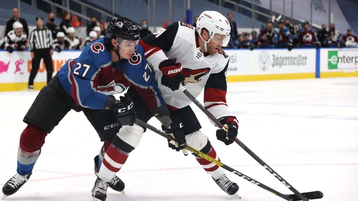 Avalanche vs. Coyotes Game 3 Odds & Pick (Saturday, Aug. 15): Bet on an Arizona Comeback? article feature image