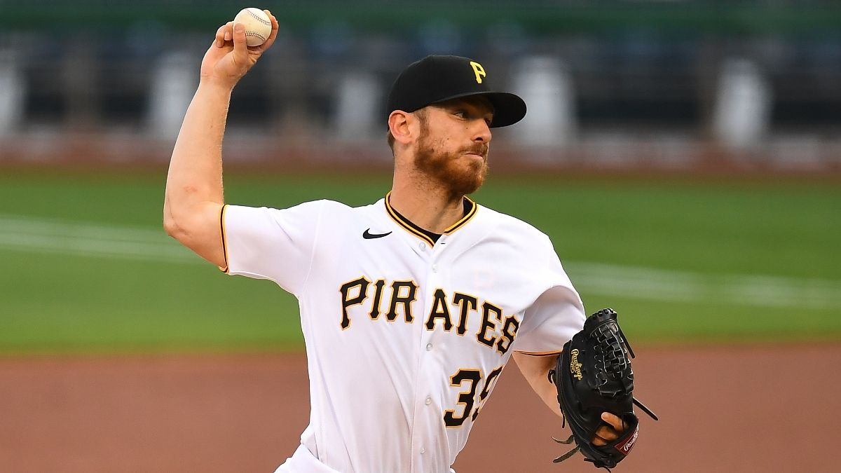 MLB Sharp Betting Pick (Friday, Aug. 14): Smart Money Hitting Pirates vs. Reds Over/Under article feature image