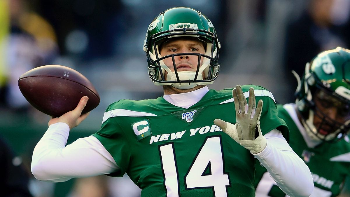2020 NFL Player Props: How to Bet Sam Darnold's Passing Yards article feature image