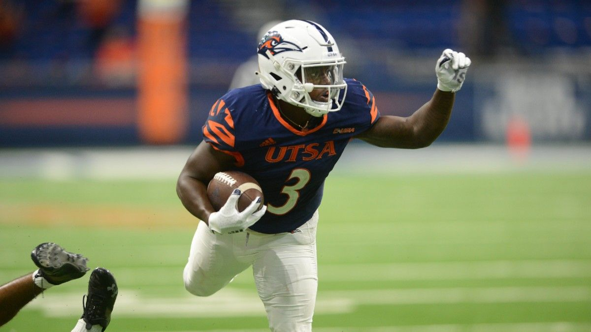 Middle Tennessee vs. UTSA Betting Odds & Pick: How to Bet Friday's Makeshift Conference USA Showdown (Sept. 25) article feature image