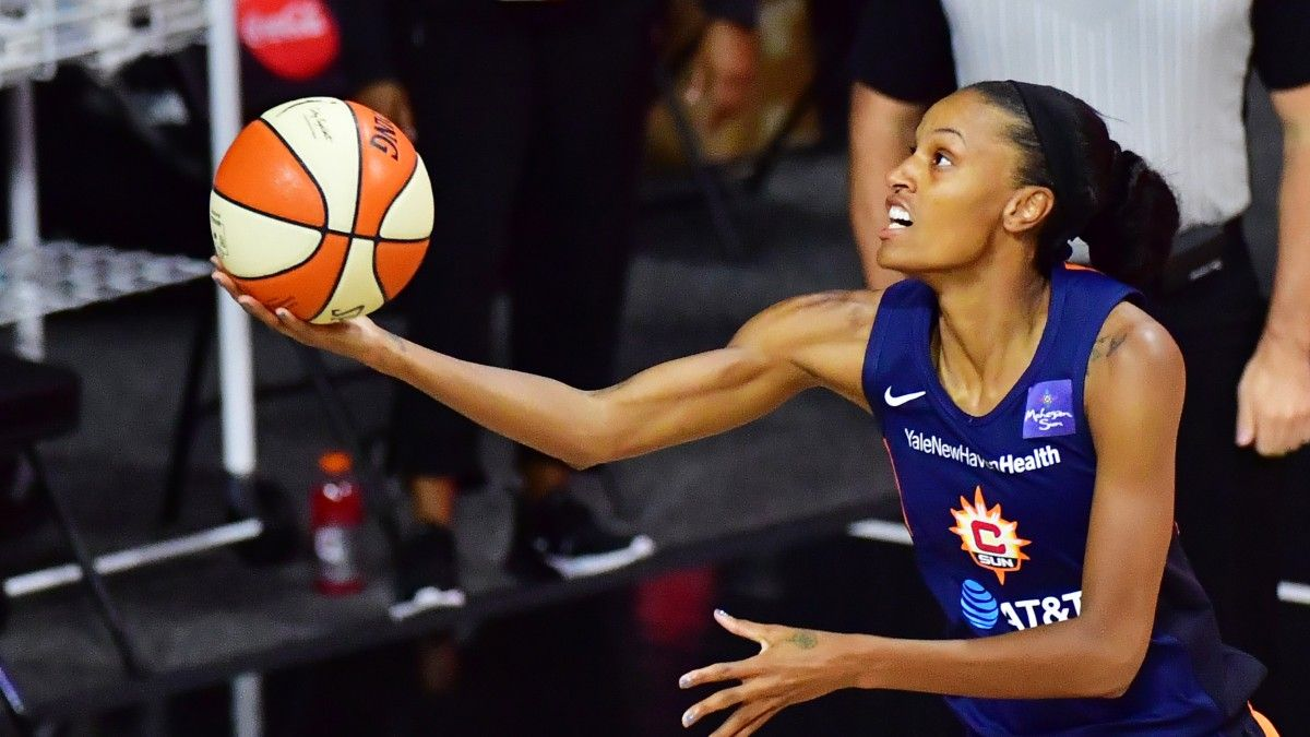 WNBA Playoffs Odds & Picks: Chicago Sky vs. Connecticut Sun Preview article feature image