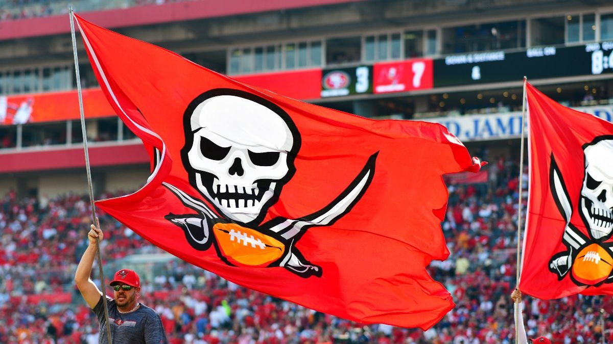 Panthers vs. Buccaneers Weather Forecast: Strong Winds Expected at Raymond James Stadium (Sept. 20) article feature image