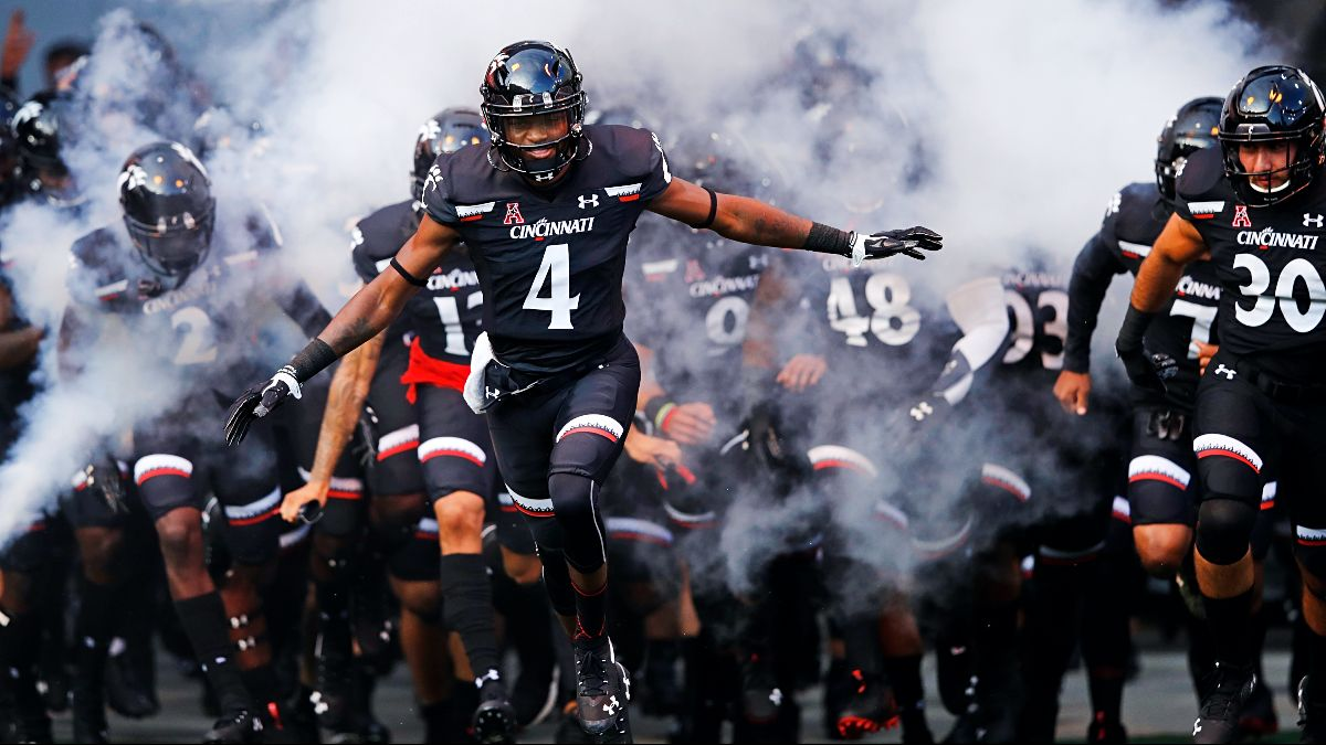 2021 American Athletic Conference Win Totals: Betting Value on Cincinnati & USF Futures article feature image