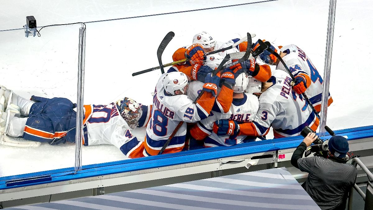 Thursday NHL Odds & Picks: Lightning vs. Islanders Game 6 article feature image