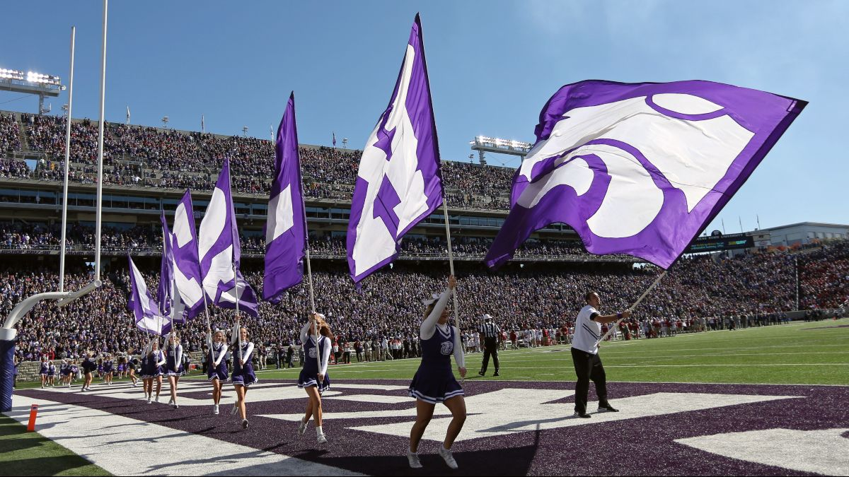 Kansas State at Oklahoma Betting Odds & Pick: Can the Wildcats' Offense Keep Pace in Norman? (Saturday, Sept. 26) article feature image