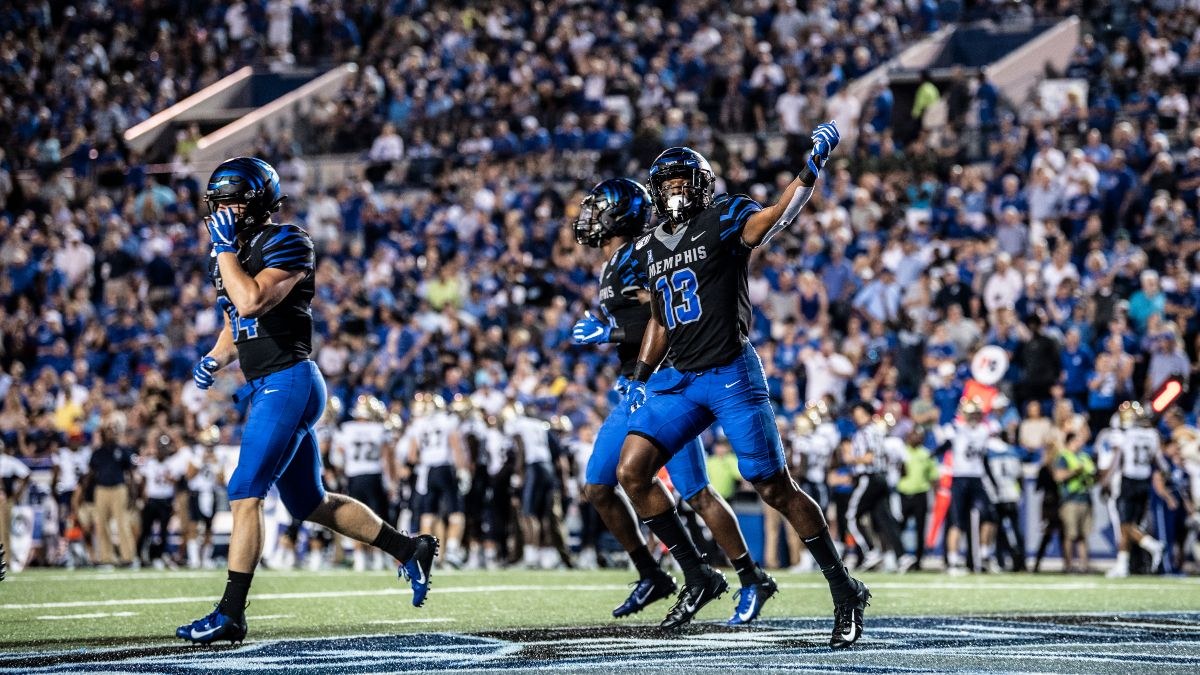 Week 3 College Football Odds & Predictions: Best Bets for Afternoon Slate, Including Nevada-Kansas State article feature image
