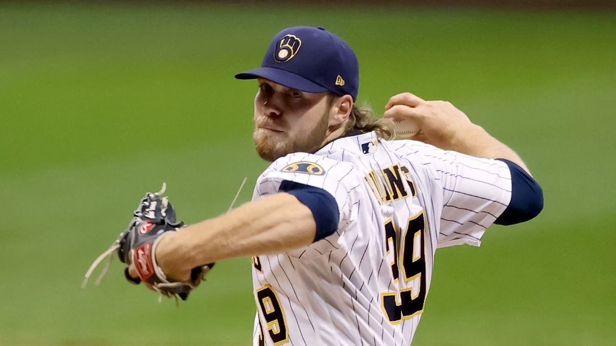 Brewers vs. Cardinals Odds & Pick: Back Corbin Burnes to Keep Milwaukee's Playoff Hopes Alive article feature image