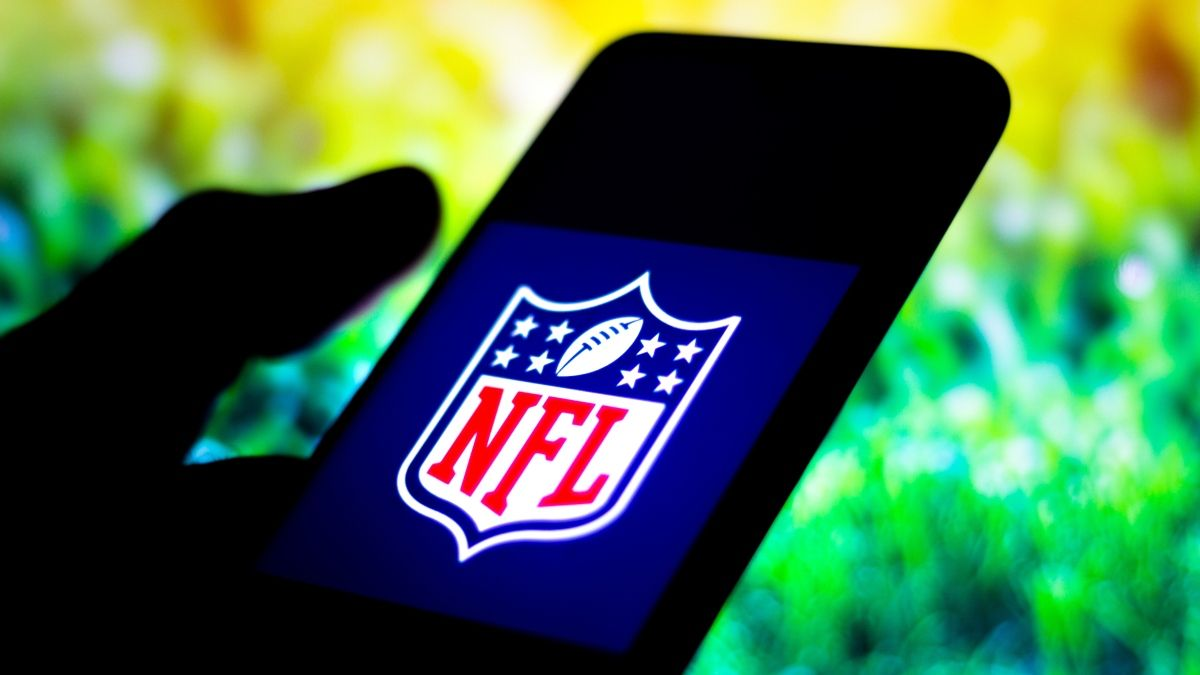 NFL PRO Report: Instantly Track Sharp Action, Winning Betting Systems, Expert Picks & More article feature image