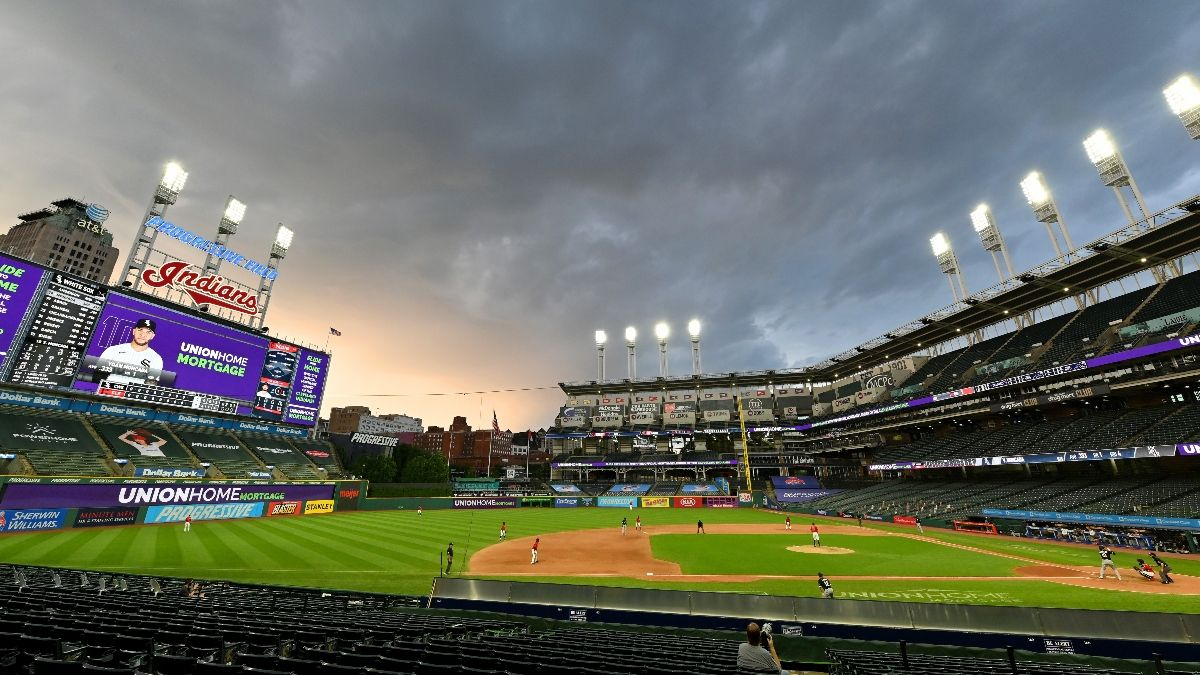 Yankees vs. Indians Weather Report, Betting Odds: Rain, Wind Expected in Cleveland article feature image