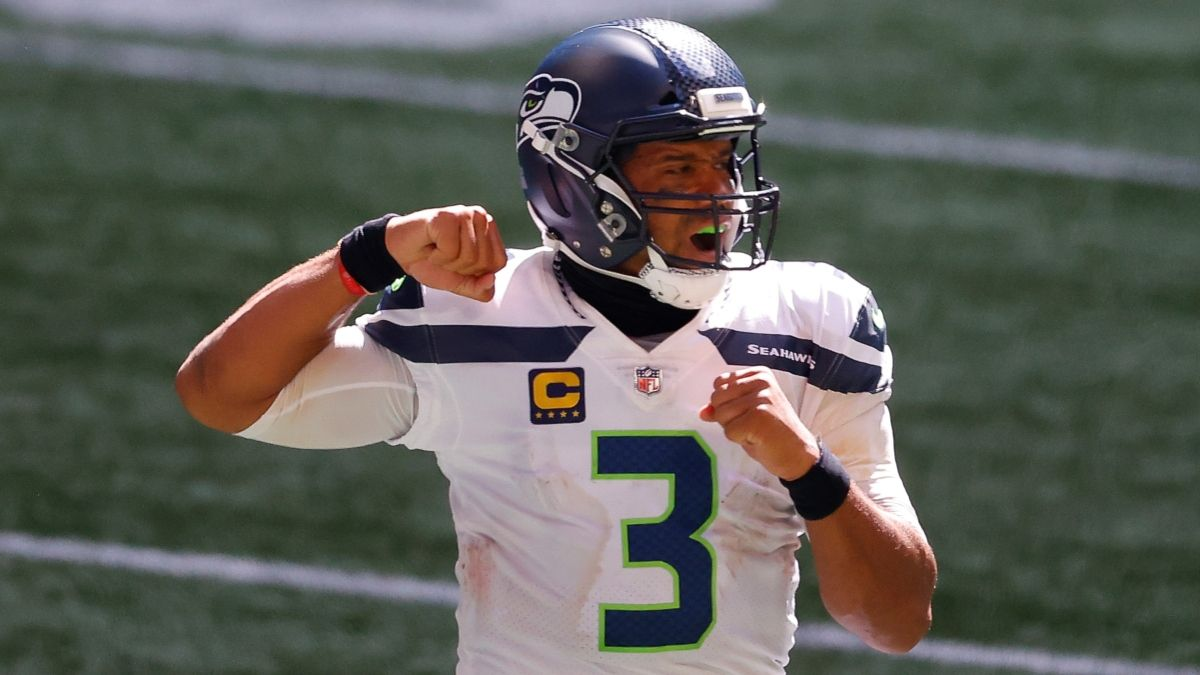 Patriots vs. Seahawks SNF Odds & Promotions: Bet $20, Win $150 if the Russell Wilson Throws for 1+ Yard! article feature image