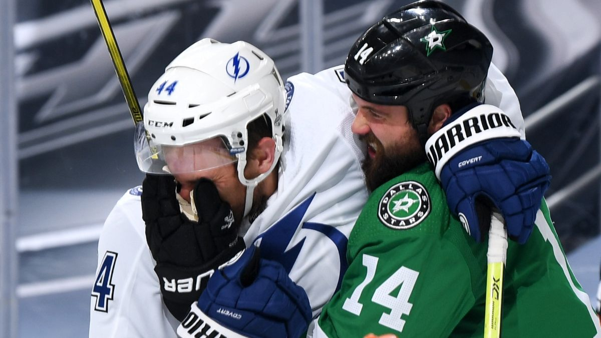 NHL Odds, Picks and Predictions: Lightning vs. Stars Stanley Cup Game 5 Preview (Saturday, Sept. 26) article feature image