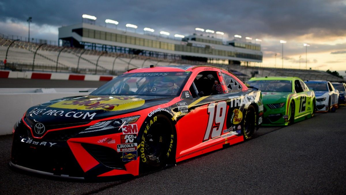 NASCAR at Las Vegas Odds & Picks: 2 Winners for Sunday's South Point 400 (Sept. 27) article feature image