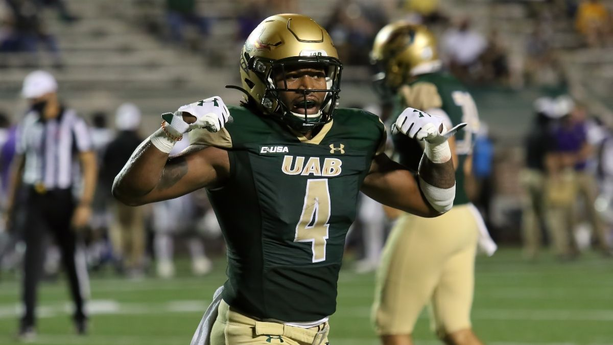 UAB vs. South Alabama CFB Promo: Bet $20, Win $125 if UAB Scores a Point! article feature image
