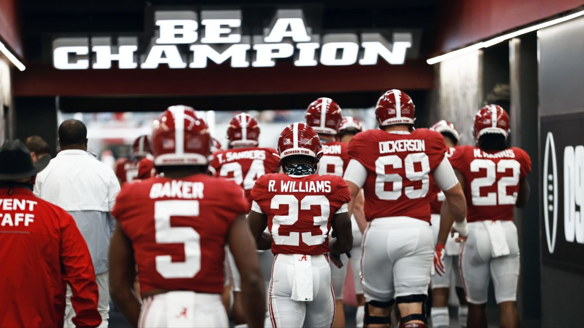 Saturday College Football Betting Odds & Picks: Collin Wilson's Best Bets for Week 8 (Oct. 24) article feature image